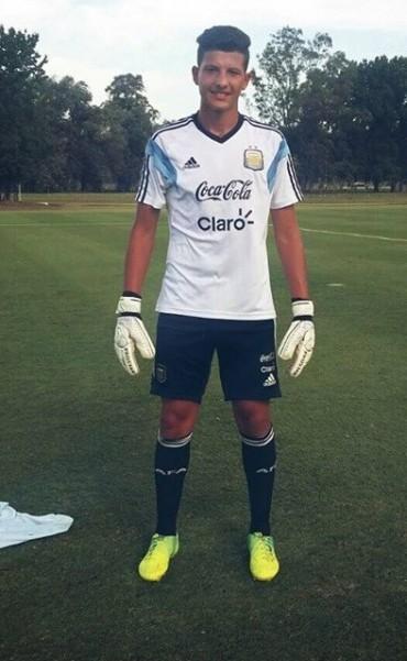 Nahuel Miguel: 'Cuesta desprenderse, arrancar y armarse en lo futbolístico. Si no fuera por mis padres no estaría allá.'
