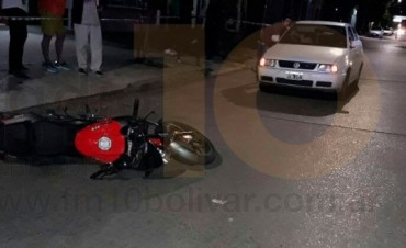 Accidente en Avenida Lavalle: Un motociclista impactó contra un automóvil