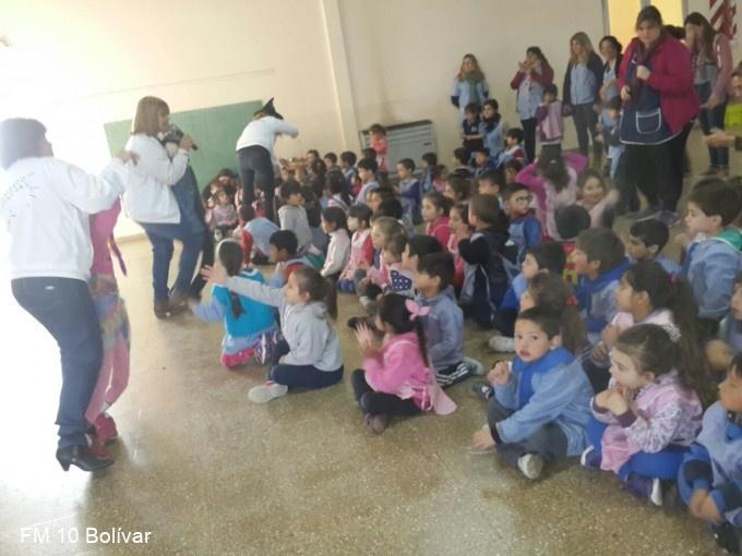 El jard n de infantes n 904 cumpli sus bodas de oro for Leccion jardin infantes 2016
